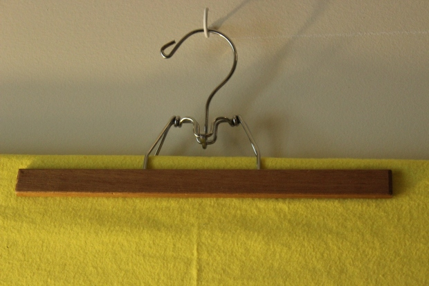 attach pants hanger